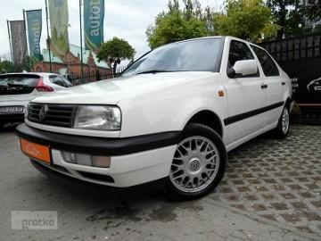 Volkswagen Vento 1.8 CL