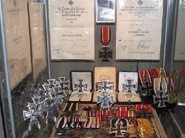 KUPIE WOJSKOWE STARE odznaczenia,odznaki,medale,ordery tel. 694972047-2