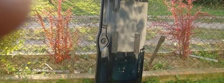 Klapa tylnia drzwi tylne tył Jeep Liberty-1