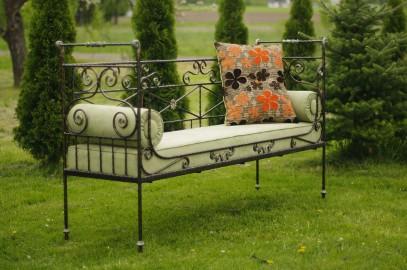 Kowal wykona ogrodzenie, balustradę, meble z kutego żelaza - łóżka, stoły, krzesła, inne