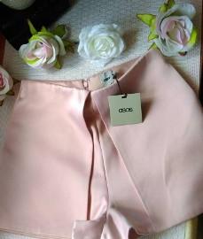 (36) ASOS/ Wytworne, różowe spodenki wizytowe/ szorty z Londynu/ NOWE z metką