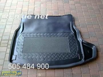 MERCEDES C W205 od 03.2014 r. sedan siedzenia rozkładane mata bagażnika - idealnie dopasowana Mercedes-Benz Klasa C