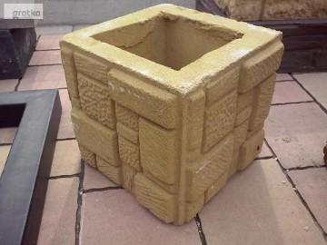 Ogrodzenie słupki z kamienia łupanego kostka mała 25x25x25